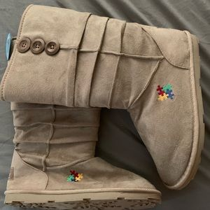 UGG type boots. Autism awareness. NWT size 10